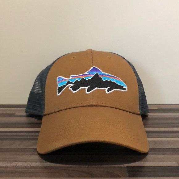 2fa29af166ebb Patagonia Fitz Roy Trout Trucker Hat (mid-crown). M 5bf976690cb5aa9065fe51ce